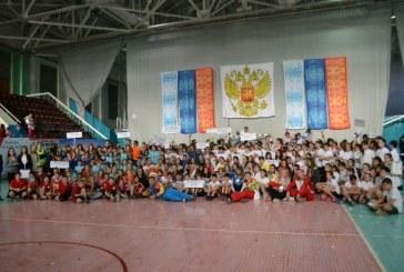 V областная итоговая акция с участием донских «звезд» спорта «Спорт детям!»