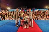 Директор фестиваля «Яркие! Майские! Твои!» А.В. Кравченко вручил сертификаты на участие в майском фестивале 2019